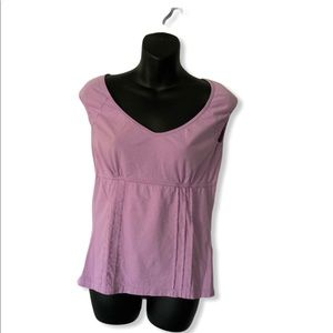 LAVENDER TOP W/ELASTIC SLEEVE AND A FRAME BOTTOM